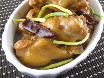 Caramel Small with Chicken (steamed) (with white rice)