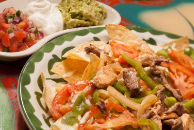 Steak Fajita Nachos w/ Shredded Cheese (large)