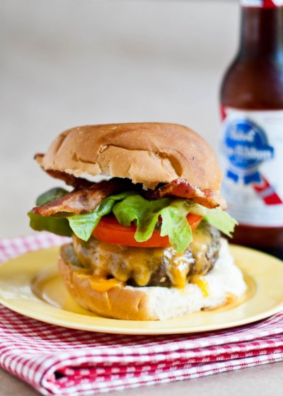 Classic Cheeseburger with Cheddar Cheese
