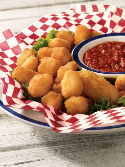 Fried White Cheddar Bites With Marinara Sauce