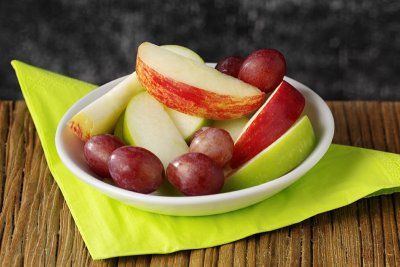 Apple Slices with Grapes, Fresh