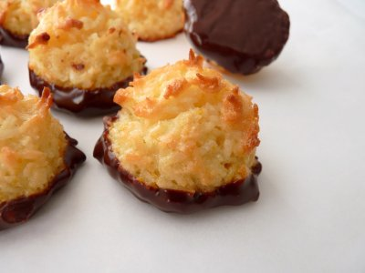 Coconut Macaroon Cookies, Chocolate covered
