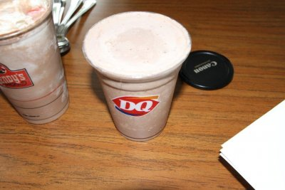 Hand Dipped Shake-Chocolate, Medium