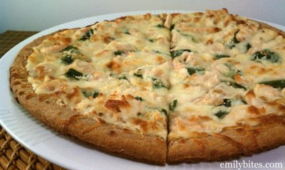 Chicken Broccoli Alfredo (SKILLET CRUST: LARGE PIZZA)