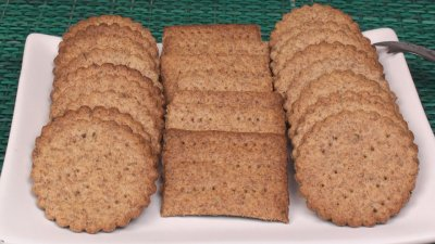 Baked Whole Wheat Crackers