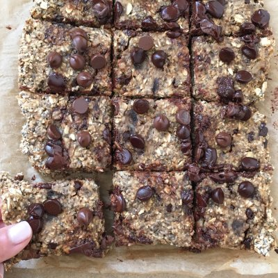 Chocolate Chip Chia Bar