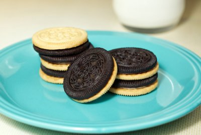Duplex Creme Filled Chocolate & Vanilla Sandwich Cookies