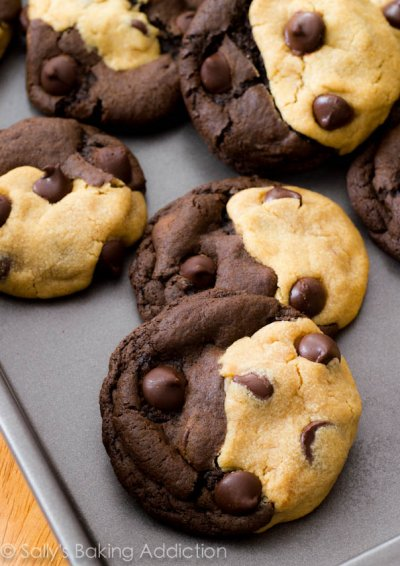 Peanut Butter Soft Baked Cookies
