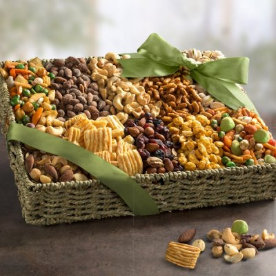 Gourmet Mixed Snacking Nuts