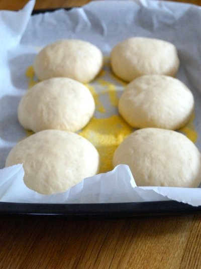 Golden White English Muffins