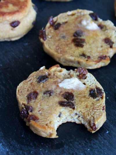 Double Raisin With Cinnamon English Muffins